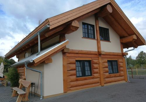 """Post & Beam Blockhaus """"Blackfoot"""" - Auch dieses Haus steht im Seeresort Gröbern"""