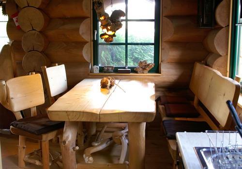 Blockhaus, Naturstamm, Rundholz, Kanadablockhaus, Küche innen