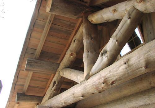 Blockhaus, Naturstamm, Kanadablockhaus, Blockhaus bauen, Naturstammsparren, Gebinde