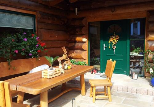 Blockhaus, Naturstamm, Kanadablockhaus Eingangsbereich