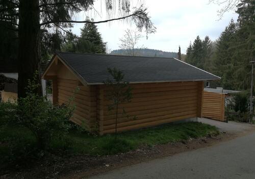 Halbstamm Blockhaus - hier zur Nutzung als Garage