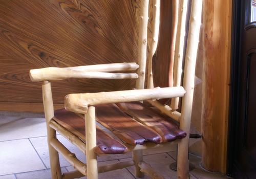 Massivholzstuhl, Massivholzmöbel